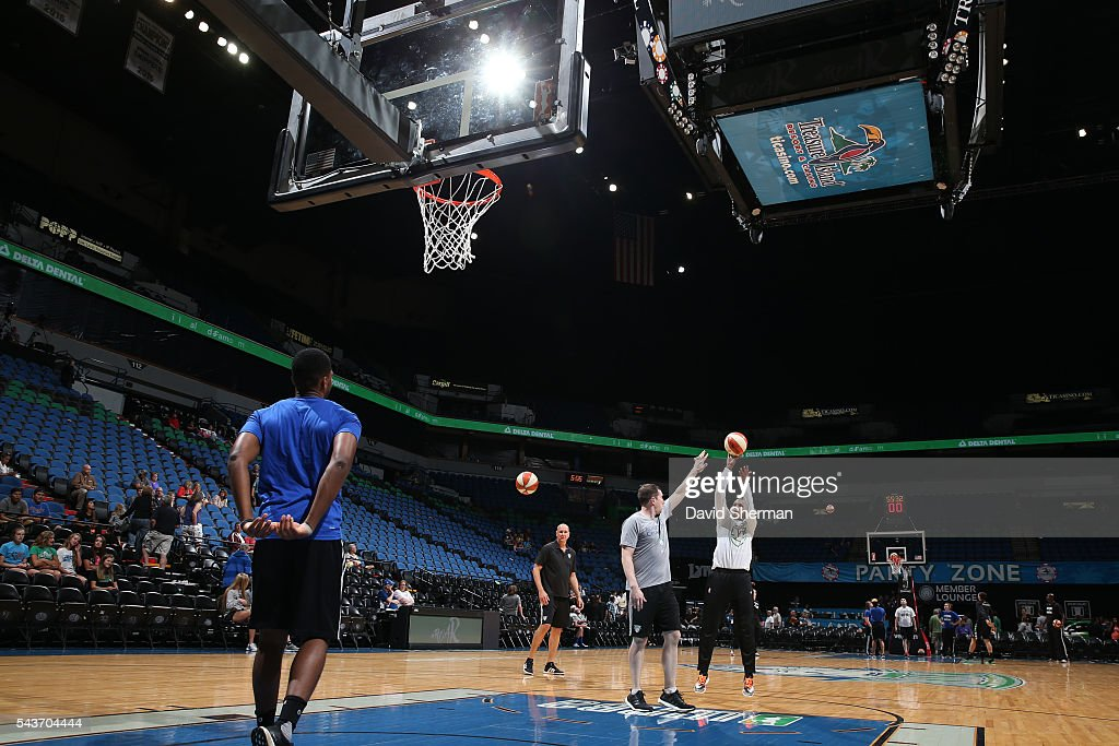 The Minnesota Lynx warm up before the game against the New York Liberty on June 29, 2016 at Target Center in Minneapolis, Minnesota.