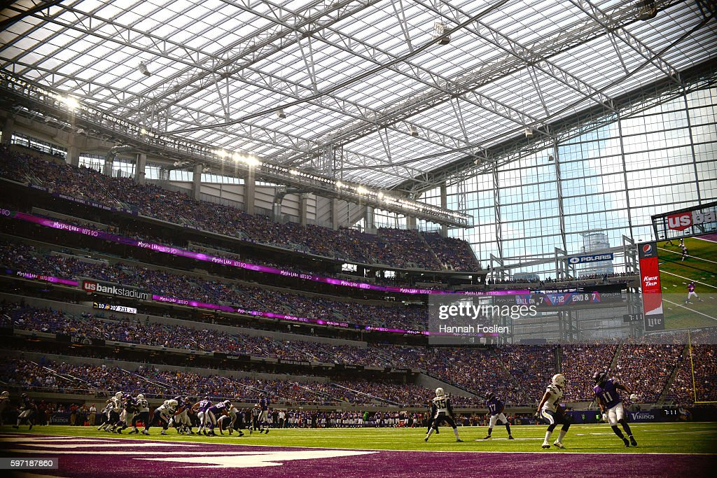 The Minnesota Vikings offense runs a play against the San Diego Chargers defense during the fourth quarter of the game on August 28 2016 at US Bank...