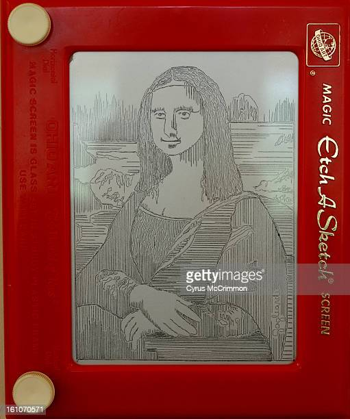 FE10CSCOVER_CM03 The Mona Lisa by Lyons artist Jeff Gagliardi on his EtchASketch on Wednesday September 10 2008 Courtesy of the artist