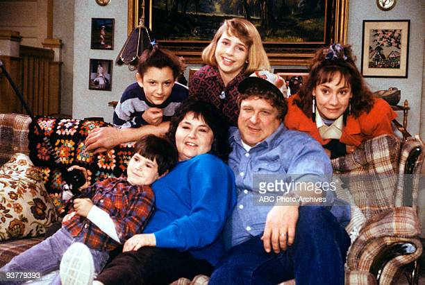 ROSEANNE 'The Monday Thru Friday Show' Season One 1/24/89 Roseanne and Dan disagree about where to spend a romantic 15th anniversary Darlene found...