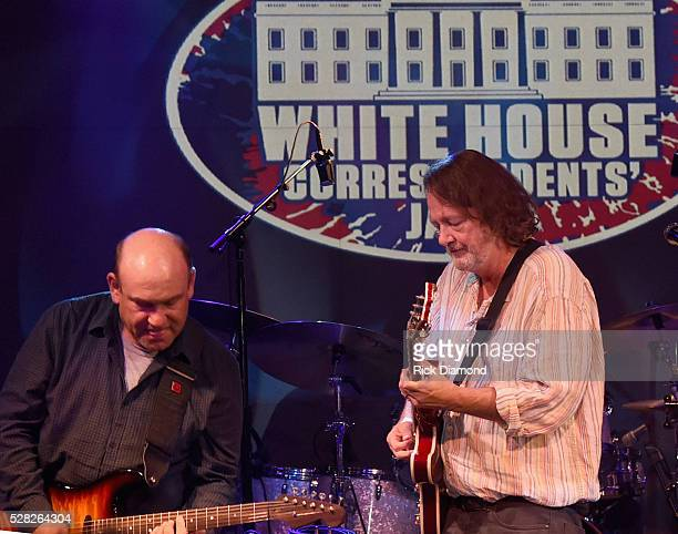 The Mooncussers featuring CNBC's Steve Liesman on lead guitar is joined onstage by John Bell of Widespread Panic during White House Correspondents'...