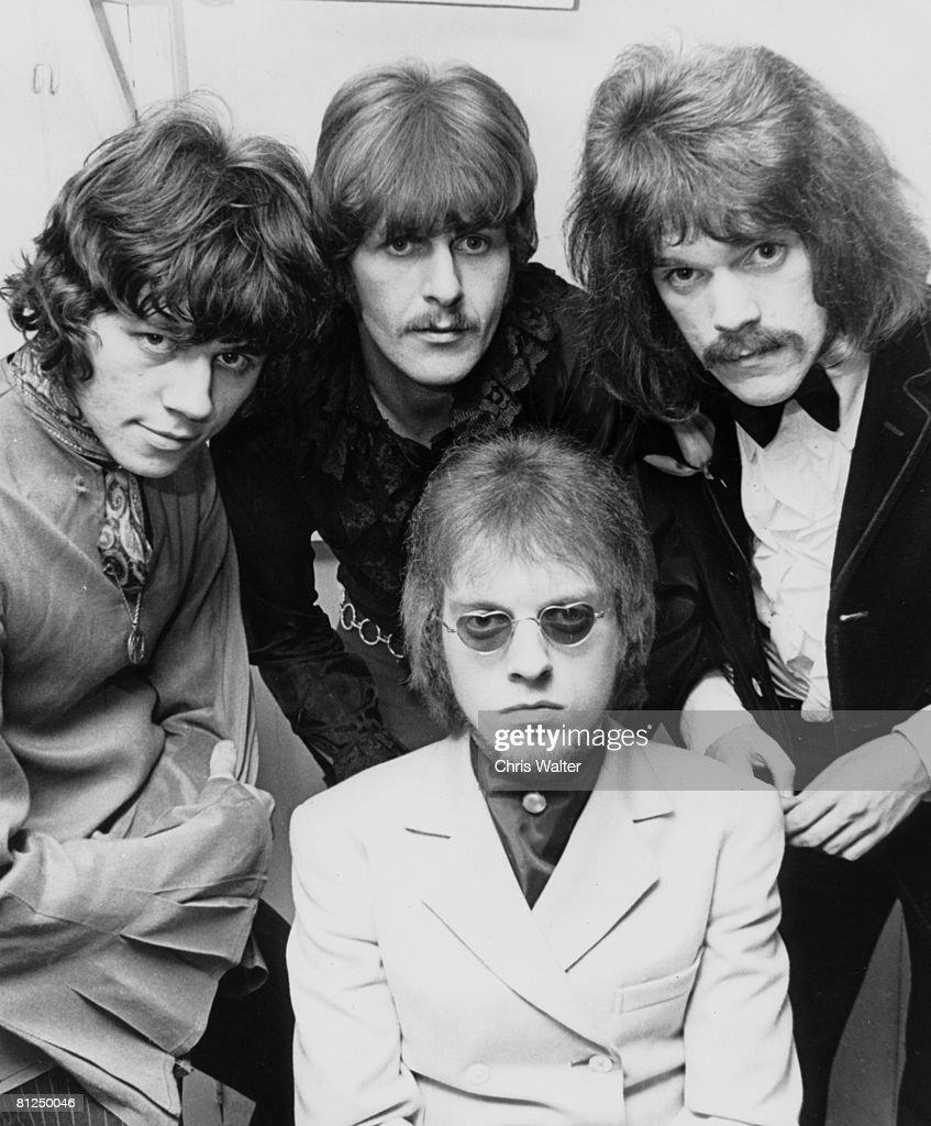 The MOVE 1968 Bev Bevan, Carl Wayne, Roy Wood, Trevor Burton ? Chris Walter