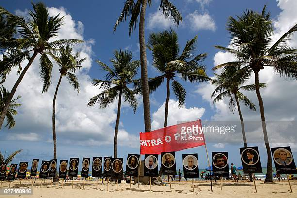 The movement exposed boards with the faces of politicians who voted in favor of the abuse of power bill Members of the popular Somos Mais Brasil...