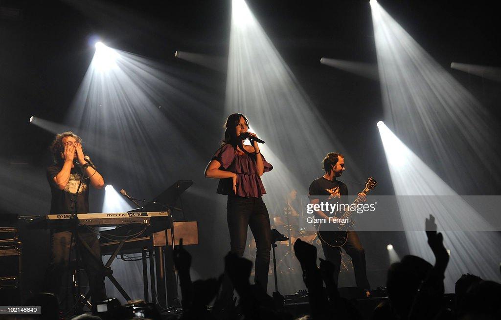 The musical group 'La Oreja de Van Gogh' in a concert, 2009, Madrid, Spain.