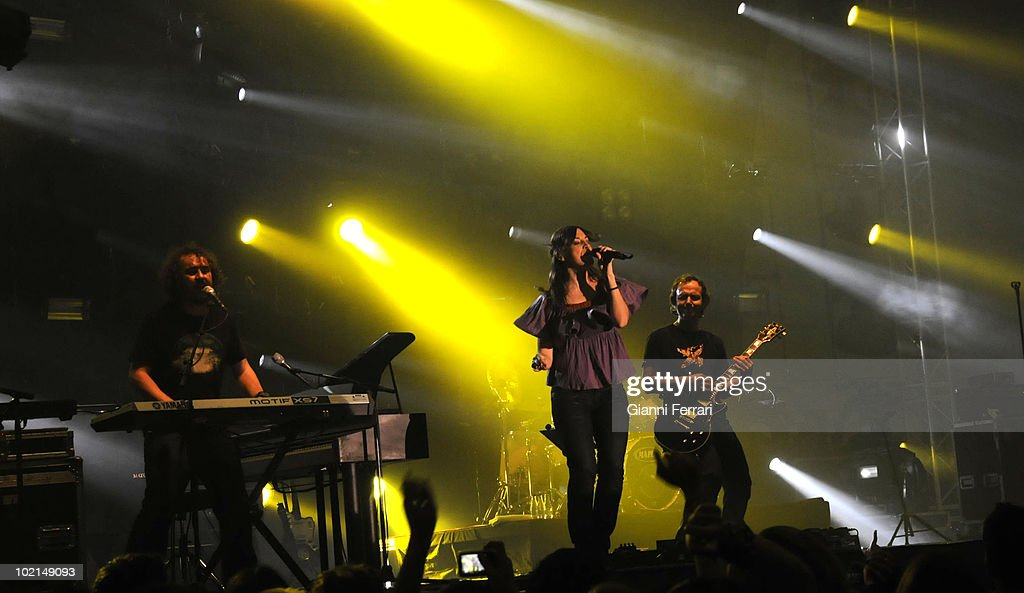 The musical group 'La Oreja de Van Gogh' in a concert, 2009, Madrid, Spain.