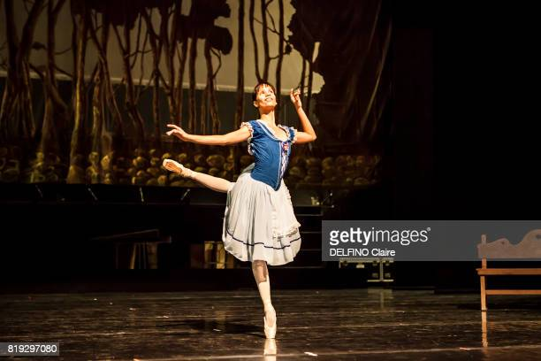 the national ballet dancer of Cuba with the first ballet dancer Grettel Morejon during répétitions in ballet costume in Theatros del canal may 12...