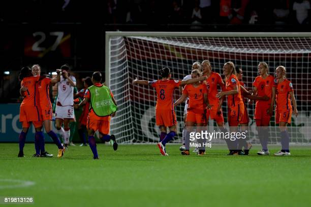 The Netherlands players celebrate at the final whistle during the UEFA Women's Euro 2017 Group A match between Netherlands and Denmark at Sparta...