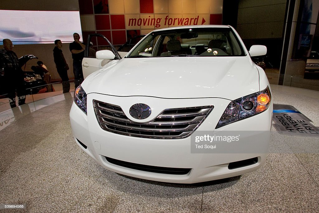the new 2007 camry hybrid hybrid synergy drive consists of dual gas pictures getty images. Black Bedroom Furniture Sets. Home Design Ideas