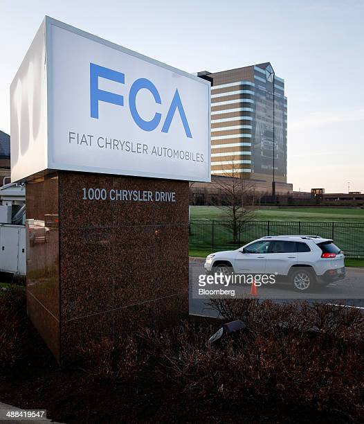 Fiat Chrysler Logo Stock Photos And Pictures