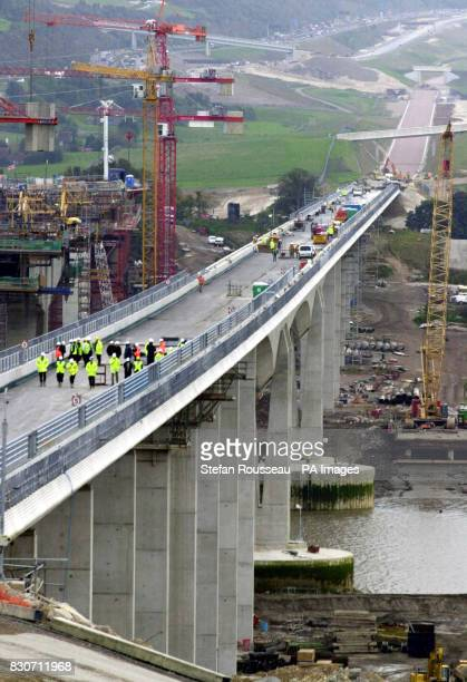 The new Medway Viaduct which will carry the high speed Channel Tunnel rail link fron London to Paris was officially completed 25/10/01 and will start...
