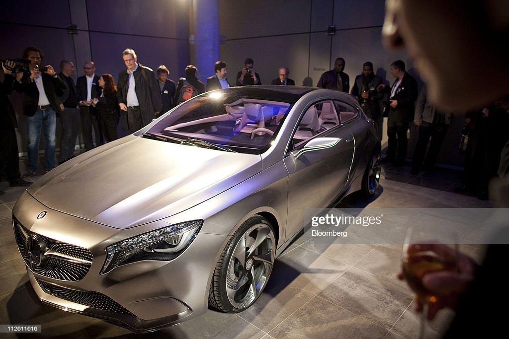 Mercedes benz manhattan dealership event vehicle reveal for Manhattan mercedes benz dealer