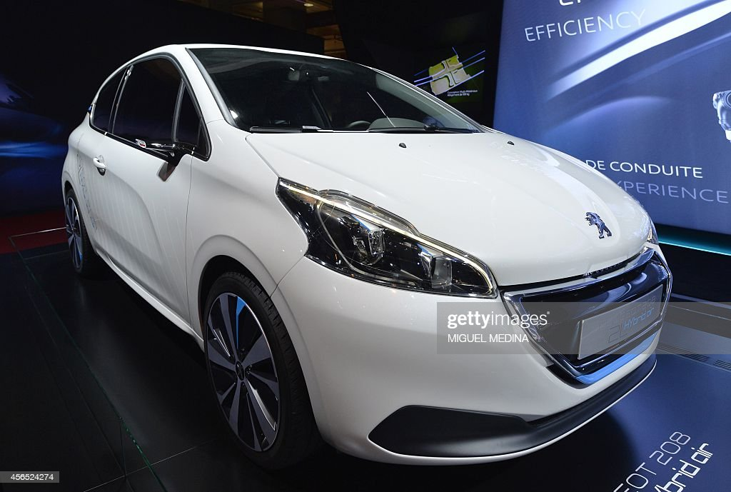 the new peugeot concept car 208 hybrid air 2l is presented at the
