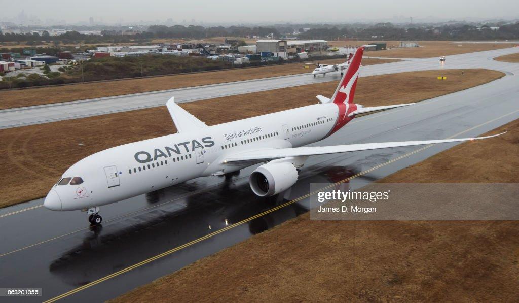 New Qantas Boeing 787 Dreamliner Lands In Sydney