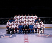 The New York Islanders pose for a group team photo circa 1989 at the Nassau Coliseum in Uniondale New York