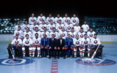 The New York Islanders pose for a group team photo on March 25 1987 at the Nassau Coliseum in Uniondale New York