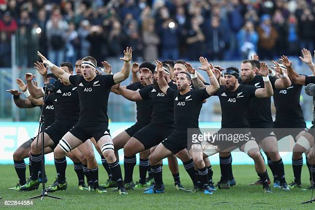 The New Zealand All Blacks perform the haka during the international rugby match between New Zealand and Italy at Stadio Olimpico on November 12 2016...