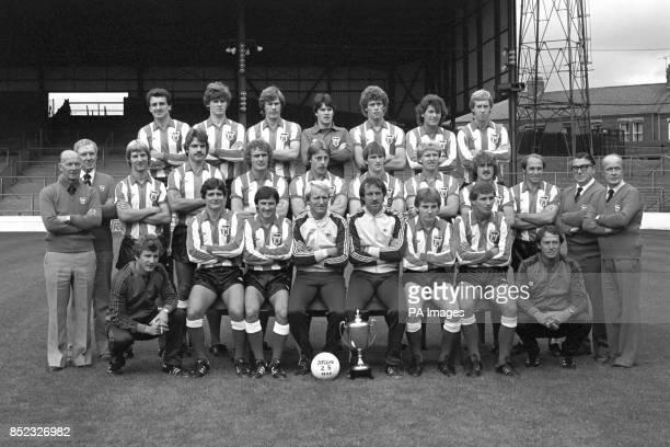 The newlypromoted First Division Sunderland FC Back row Joe Bolton Gordon Chisholm Claudio Marangoni Chris Turner Rob Hindmarch Kevin Arnott and...