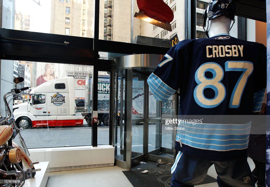 Nov 06, · NYC NHL Store Get NHL Credit Card kabor.ml is the official web site of the National Hockey League. NHL, the NHL Shield, the word mark and image of .
