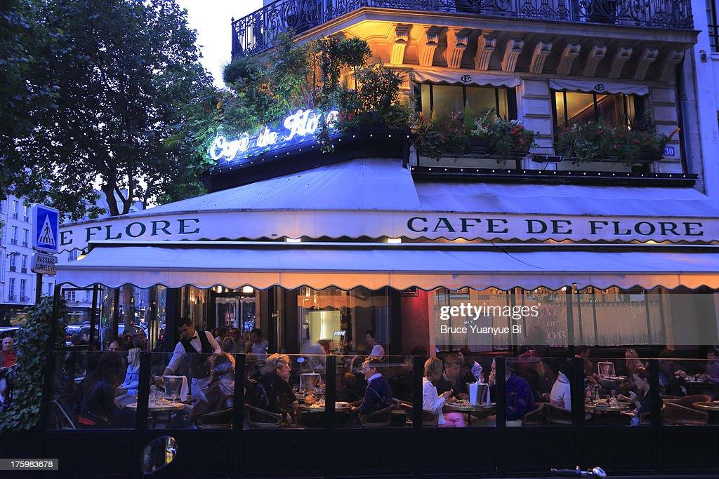 The night view of Cafe de Flore