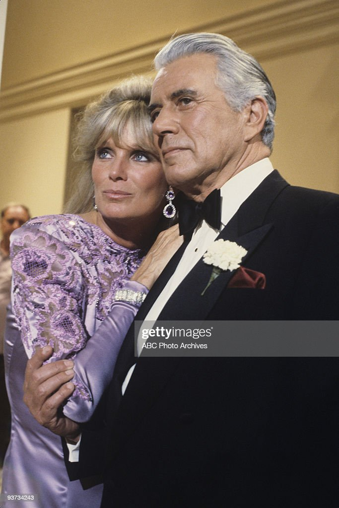 DYNASTY - 'The Nightmare' 5/9/84 <a gi-track='captionPersonalityLinkClicked' href=/galleries/search?phrase=Linda+Evans&family=editorial&specificpeople=208930 ng-click='$event.stopPropagation()'>Linda Evans</a>, <a gi-track='captionPersonalityLinkClicked' href=/galleries/search?phrase=John+Forsythe&family=editorial&specificpeople=91238 ng-click='$event.stopPropagation()'>John Forsythe</a>