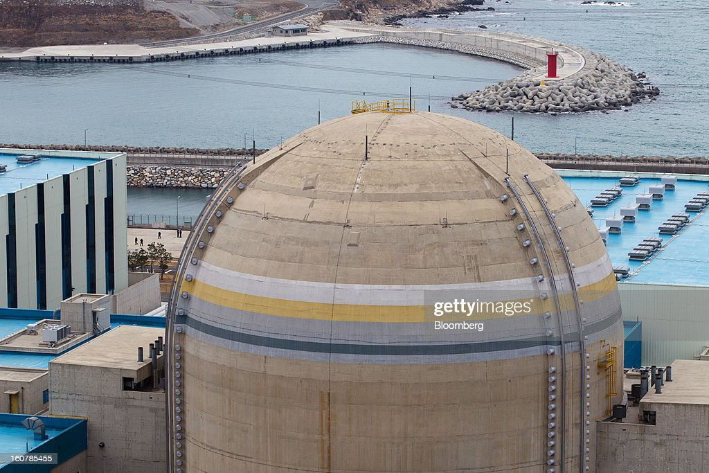 The No. 1 reactor building stands at Korea Hydro & Nuclear Power Co.'s Shin-Kori nuclear power plant in Ulsan, South Korea, on Tuesday, Feb. 5, 2013. Korea Hydro, a unit of Korea Electric Power Corp. (Kepco), operates 23 reactors in the country. Photographer: SeongJoon Cho/Bloomberg via Getty Images