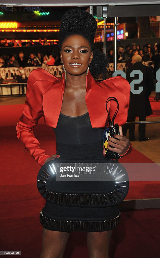 The <a gi-track='captionPersonalityLinkClicked' href=/galleries/search?phrase=Noisettes&family=editorial&specificpeople=5906750 ng-click='$event.stopPropagation()'>Noisettes</a>, <a gi-track='captionPersonalityLinkClicked' href=/galleries/search?phrase=Shingai+Shoniwa&family=editorial&specificpeople=4266140 ng-click='$event.stopPropagation()'>Shingai Shoniwa</a> attends the 'Nine' world film premiere at the Odeon Leicester Square on December 3, 2009 in London, England.