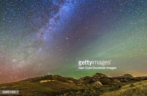 The northern autumn stars and constellations rising over Dinosaur Provincial Park.