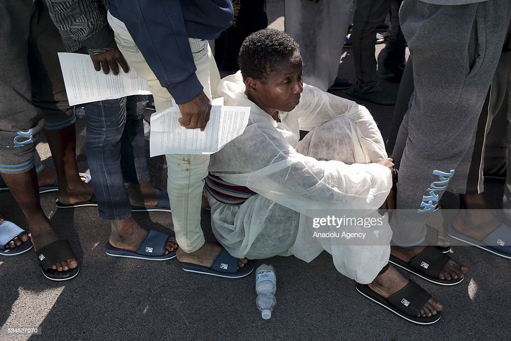 The Norwegian ship 'Siem Pilot Stavanger' arrives at Manfredi pier of Salerno port in Salerno on May 26, 2016. The ship carrying 1017 refugees coming mostly from Sub-Saharan Africa.