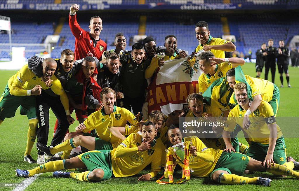 The Norwich City team with the FA Youth Cup during the FA Youth Cup Final Second Leg match between Chelsea and Norwich City at Stamford Bridge on May...
