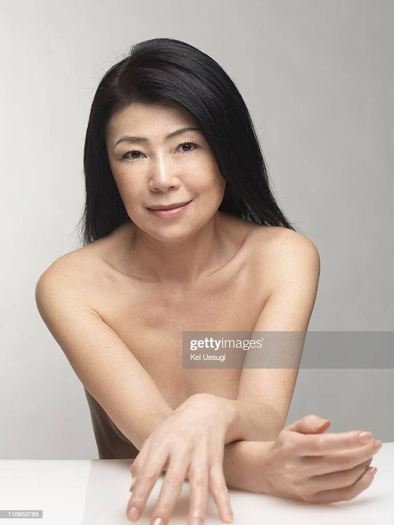 mature naked japanese women