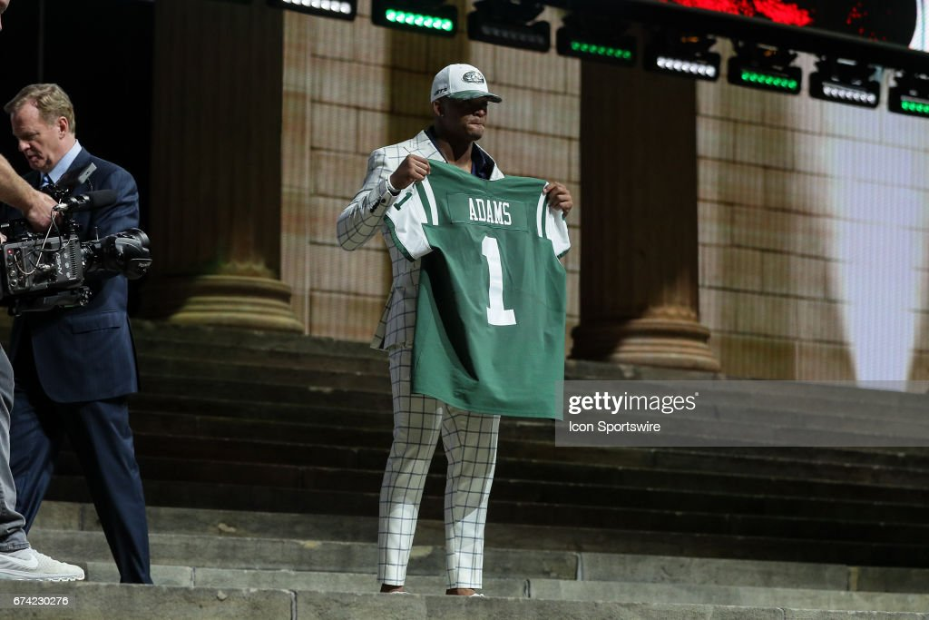 The NY Jets select Jamal Adams of LSU with the sixth pick at the 2017 NFL Draft at the 2017 NFL Draft Theater on April 27, 2017 in Philadelphia, PA.