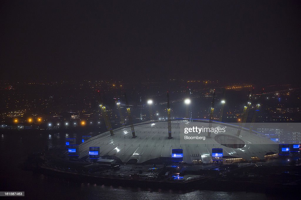 The O2 Arena stands illuminated at night in London, U.K., on Monday, Feb. 11, 2013. U.K. inflation held at the highest rate since May last month and pipeline prices pressures increased as crude oil costs rose. Photographer: Jason Alden/Bloomberg via Getty Images