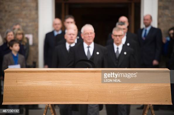 The oak coffin with the remains of king richard iii the last of the