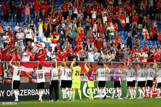 The of Austria team show appreciation to the fans after the UEFA Women's Euro 2017 Quarter Final match between Austria and Spain at Koning Willem II...