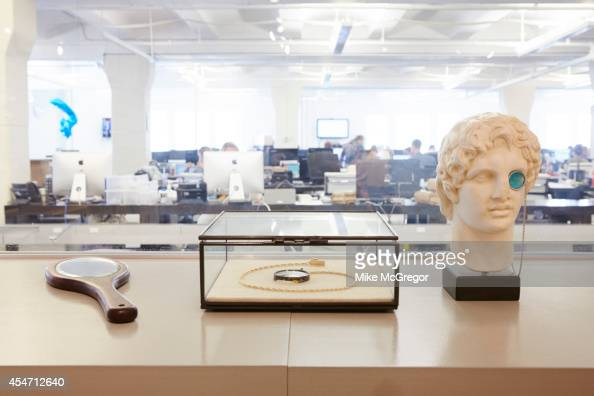 warby parker fotograf as e im genes de stock getty images
