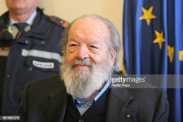 The official medal of the city' Bud Spencer was recognized in his great career that was celebrated at St James's Palace presented by the Naples Mayor...