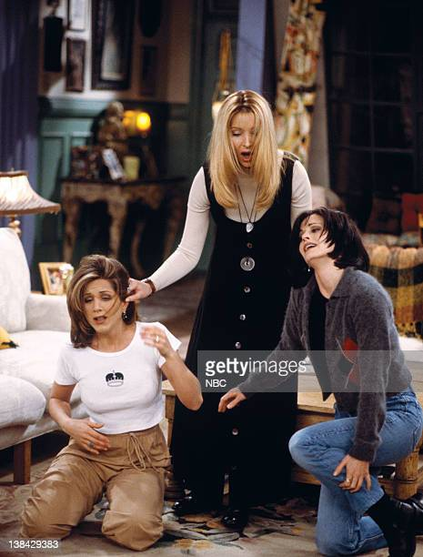 FRIENDS 'The One After the Superbowl' Episode 12 Pictured Jennifer Aniston as Rachel Green Lisa Kudrow as Phoebe Buffay Courteney Cox Arquette as...