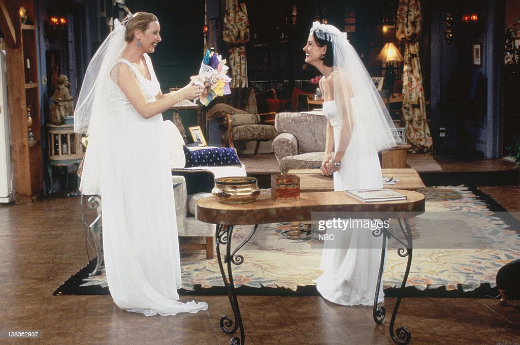 Beautiful Friends Uthe One With All The Wedding Dressesu Episode Pictured Lisa Kudrow As Monica Dress