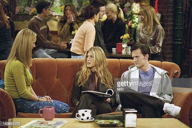 FRIENDS 'The One With The Engagement Picture' Episode 5 Aired 11/2/2000 Pictured Lisa Kudrow as Phoebe Buffay Jennifer Aniston as Rachel Green...