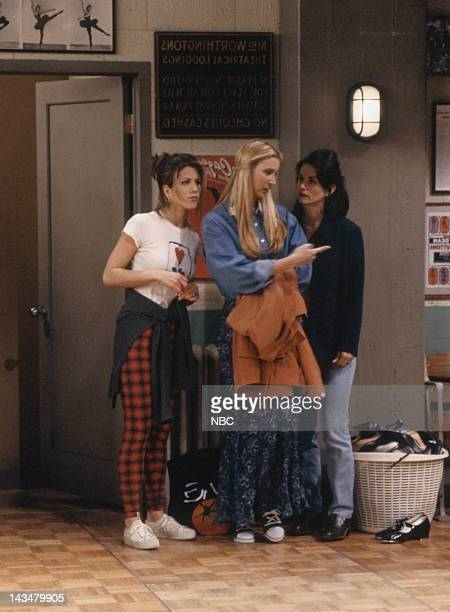 FRIENDS 'The One with the Fake Monica' Episode 21 Pictured Jennifer Aniston as Rachel Green Lisa Kudrow as Phoebe Buffay Courteney Cox as Monica...