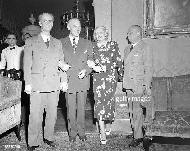 The opera singer Maria Jeritza at an artists' reception with conductor Wilhelm Furtwängler her husband Irving P Seery and director Erich von Stroheim...