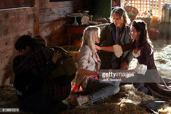 TIME 'The Other Shoe' As Storybrooke continues to welcome the new arrivals from the Land of Untold Stories families friends and even longlost enemies...