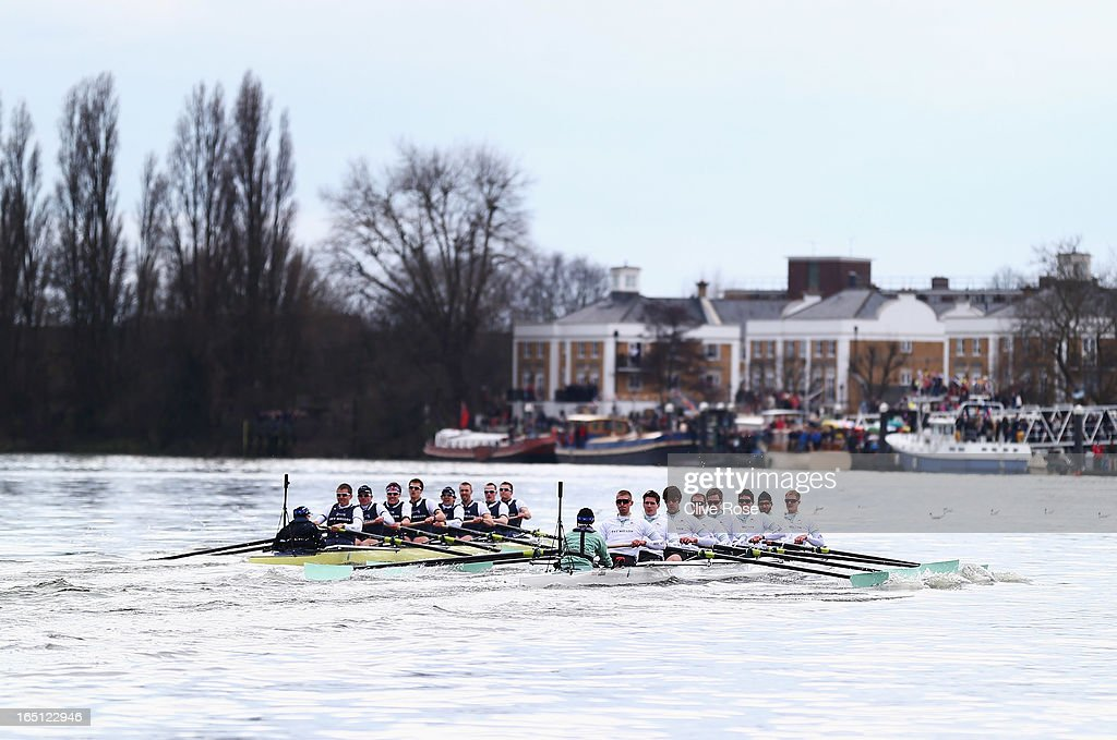 The Oxford crew leads from Cambridge during the BNY Mellon 159th Oxford versus Cambridge University Boat Race on The River Thames on March 31, 2013 in London, England.