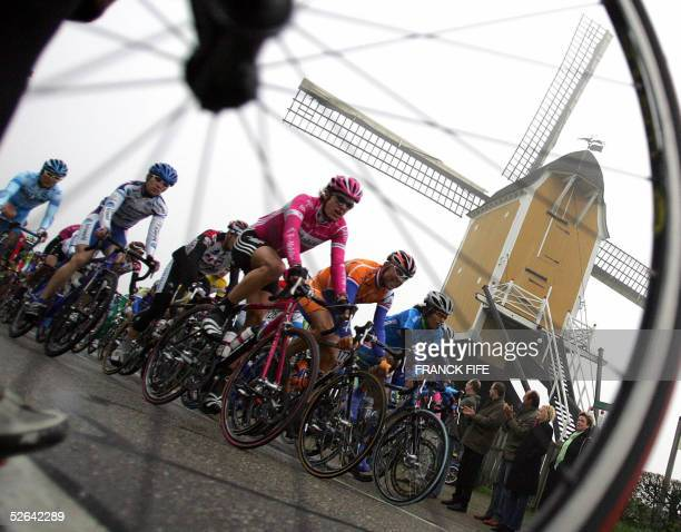 The pack rides during the 40th Amstel Gold Race cycling race between Maastricht and Valkenburg 17 April 2005 Italian Danilo Di Luca won the race AFP...