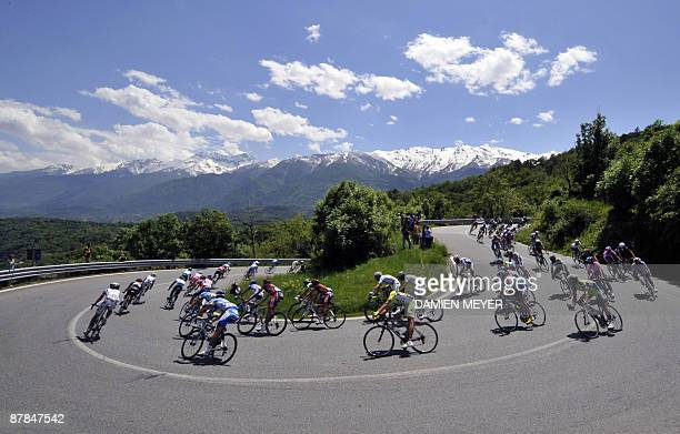 The pack rides during the tenth stage of 92nd Giro of Italy between Cuneo and Pinerolo on May 19 2009 Italy's Daniele Di Luca tightened his grip on...
