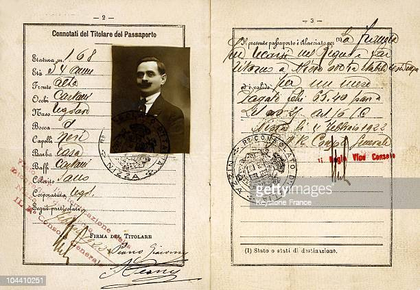 The page displaying the identity of the owner of a passport from February 1922