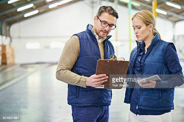 Die Papierkram trail sagt seine in diesem warehouse