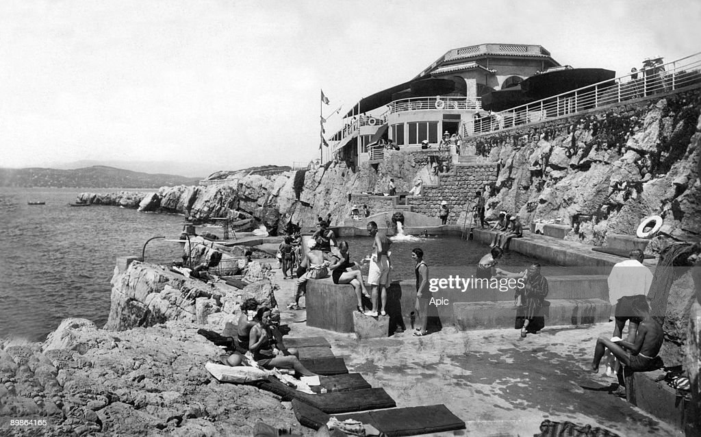 The pavilion Eden Roc on Antibes cape postcard 1933