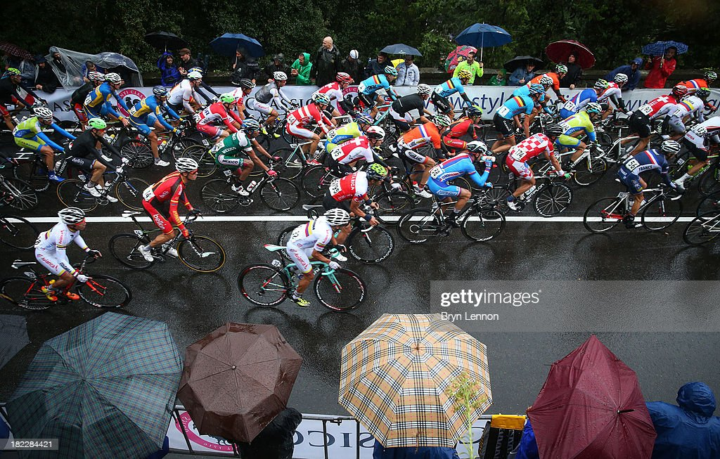 The peloton in action during the Elite Men's Road Race, a 272km race from Lucca to Florence on September 29, 2013 in Florence, Italy.