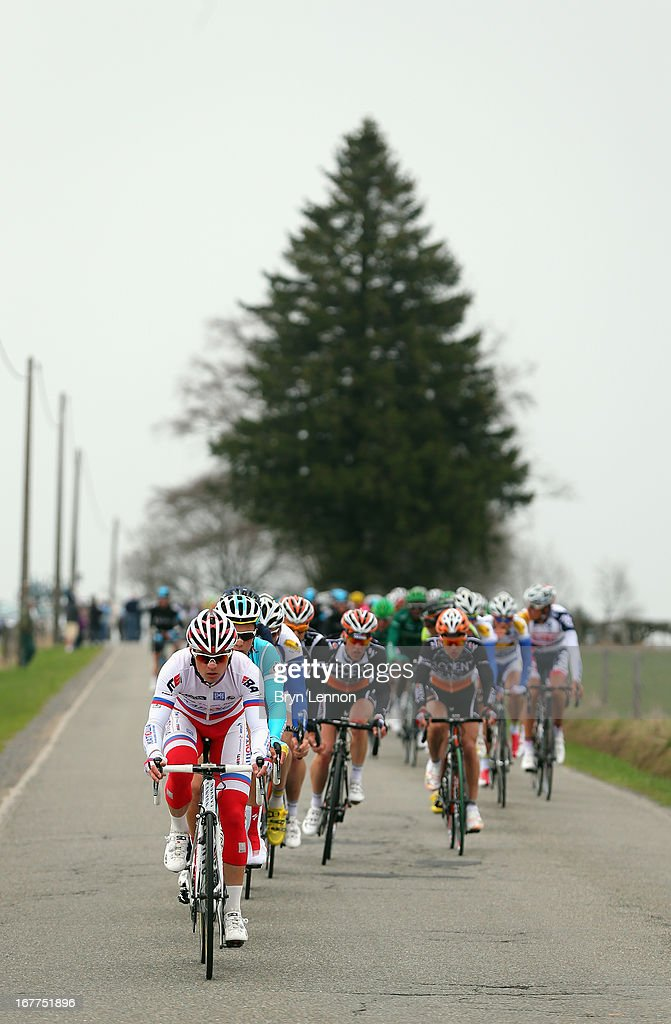 The peloton rides through the Belgian countryside during the 99th Liege-Bastogne-Liege road race on April 21, 2013 in Liege, Belgium. (Photo by Bryn Lennon/Getty Images).